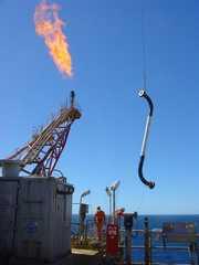 Offshore - J spool riser installation
